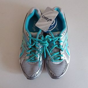 Asics T475Q Running Shoes w/Gel Cushioning System